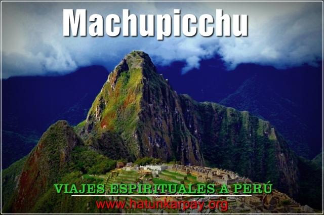 Vease el Huaynapicchu, la montaña que tiene forma de nariz, al fondo del Machupicchu